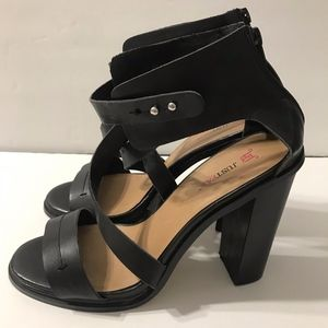 JUSTFAB RICHELLE Ankle Strap Black Chunky Heels